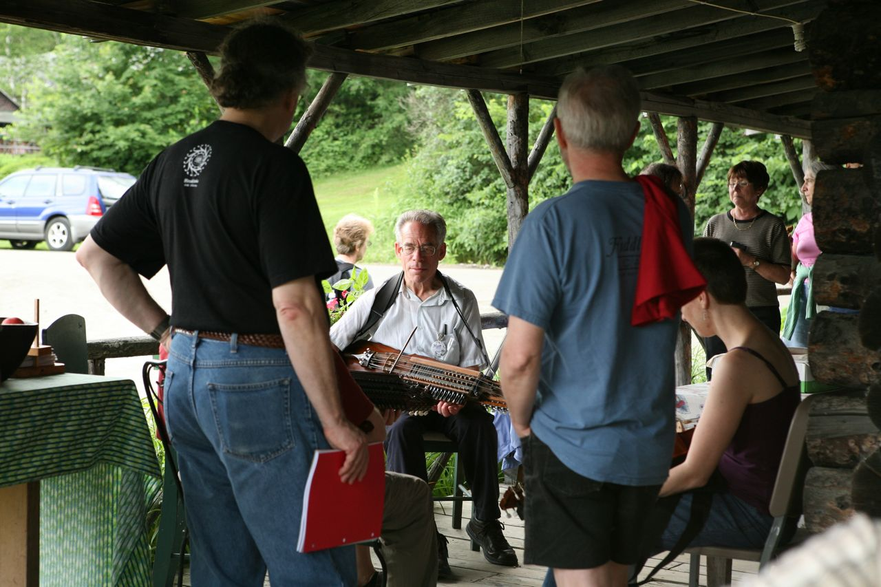 2011 - Jamming in the registration area