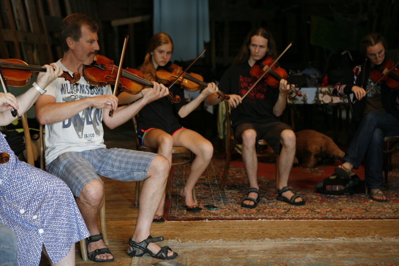 2013 - Christer and fiddle students