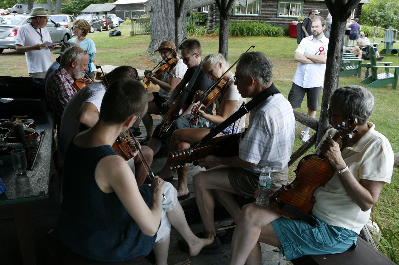 2014 - Welcoming jam at the beginning of camp